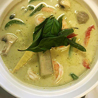 TL2 Green Curry Chicken
